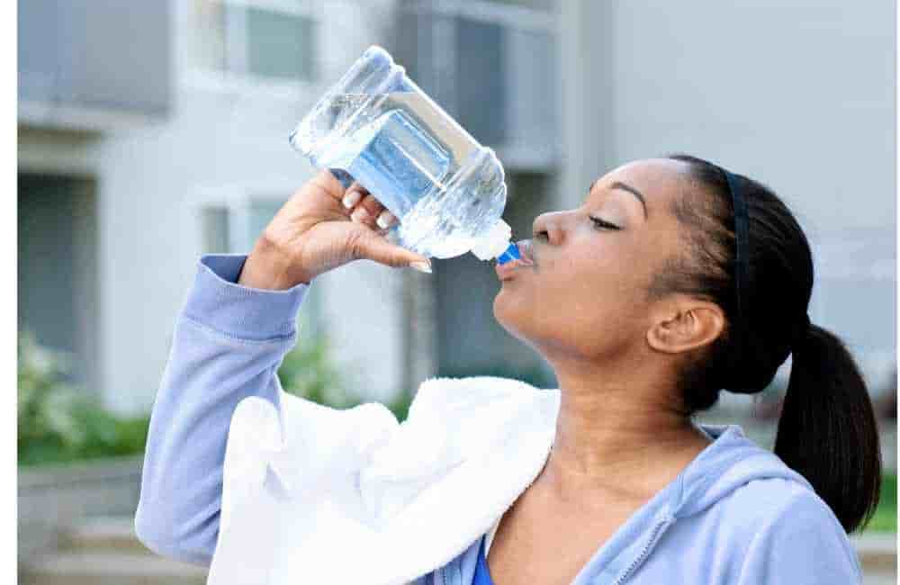 How to drink water for glowing skin